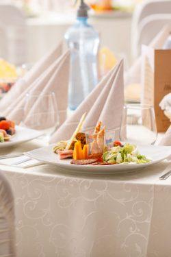 luxury-food-on-wedding-table-PX3DWW5_2.jpg