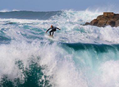surfer-2335088